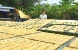 Chảy nước miếng khi đến làng chuối khô 100 năm làm hàng bán Tết