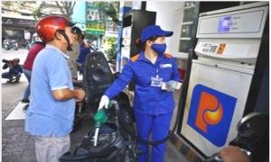 Giữ nguyên giá xăng, tăng giá bán dầu