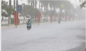 Bắc Bộ và Bắc Trung Bộ có mưa vừa, mưa to, đề phòng tố, lốc và gió giật mạnh