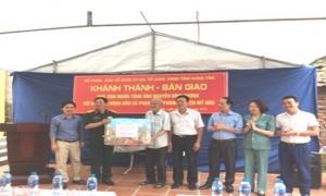"""Tổ chức khánh thành bàn giao """"Nhà tình nghĩa"""" cho Hội viên nông dân xã Phan Đình Phùng"""