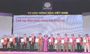Anh Ngô Đức Thắng - hội viên nông dân tiêu biểu của Hưng Yên vinh dự được  tôn vinh và trao danh hiệu Nông dân Việt Nam xuất sắc năm 2018