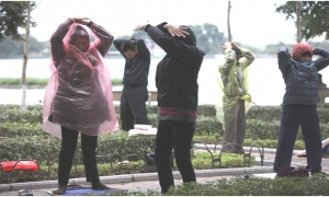 Dự báo thời tiết 17/10: Hà Nội mưa lạnh, đêm hạ xuống 20 độ