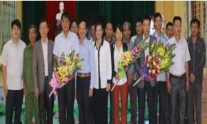 Ra mắt tổ hội nghề nghiệp chăn nuôi gà xã Nghĩa Dân.