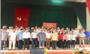 Đồng chí Thào Xuân Sùng - Ủy viên Trung ương Đảng, Bí thư Đảng đoàn, Chủ tịch Ban Chấp hành Trung ương Hội Nông dân Việt Nam thăm và làm việc tại tỉnh Hưng Yên.