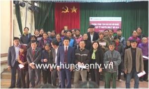 Tặng 600 suất quà cho các hộ nghèo tại 4 huyện nhân dịp Tết Nguyên đán Kỷ Hợi 2019