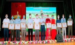 Hội Nông dân Huyện Văn Lâm tổng kết phong trào nông dân thi đua sản xuất kinh doanh giỏi, đoàn kết giúp nhau làm giàu và giảm nghèo bền vững giai đoạn 2016 - 2020
